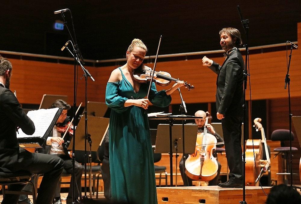 2019/02/yasar-universitesi-oda-orkestrasindan-romanlar-konseri-20190211AW61-2.jpg