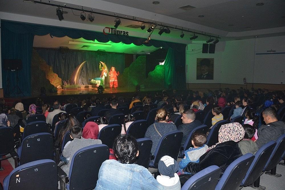 2019/04/aliagada-23-nisan-etkinlikleri-cocuk-muzikali-ile-basladi-20190421AW68-3.jpg