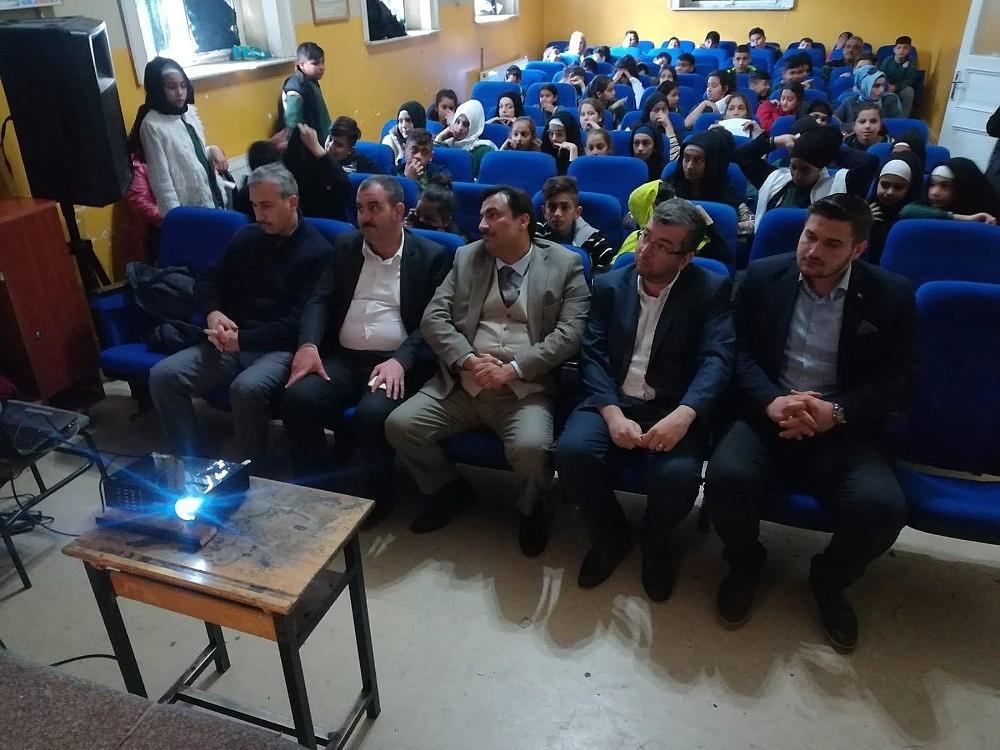 2019/04/imam-hatip-ortaokulunda-beraat-kandili-programi-20190419AW68-2.jpg