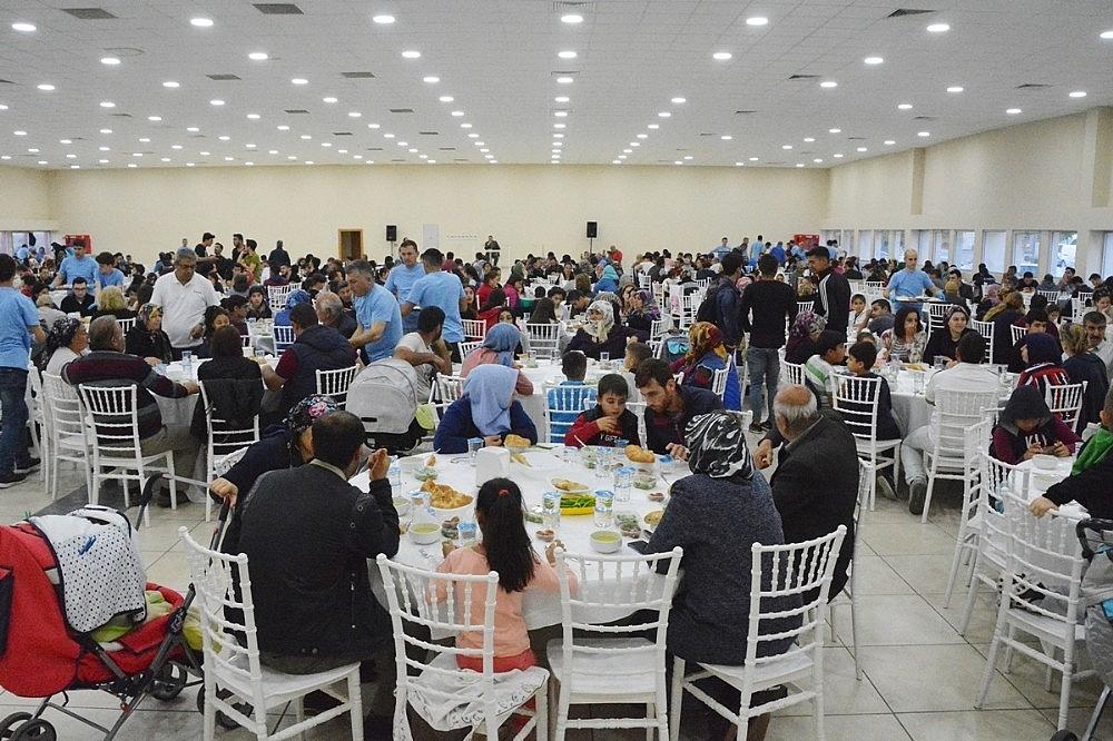 2019/05/aliagada-iftar-programlarina-yogun-ilgi-20190513AW70-1.jpg