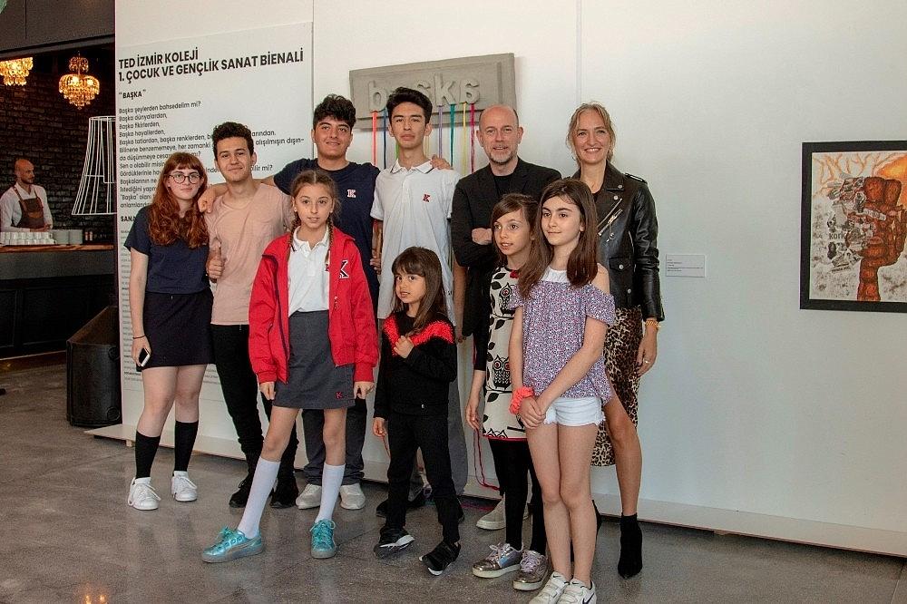 2019/05/ted-izmir-koleji-cocuk-ve-genclik-sanat-bienali-kapilarini-acti-20190508AW69-3.jpg