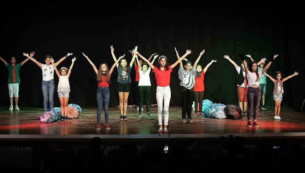 2019/05/tiyatronun-yildizlari-karsiyakada-yetisecek-20190506AW69-5.jpg