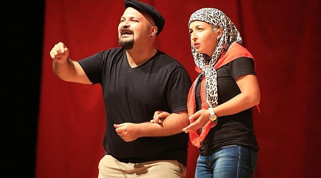 Gaziemir'de bol kahkahalı sezon açılışı