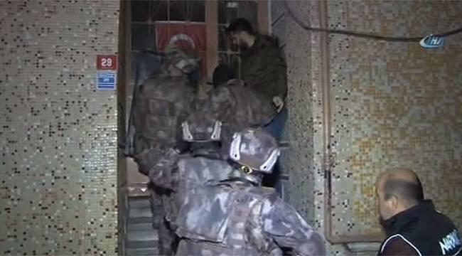 Zeytinburnu'nda şafak vakti narkotik operasyonu