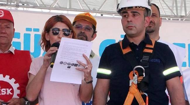Basın bildirisini okuyan işçi baygınlık geçirdi