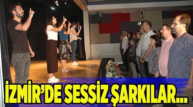 İzmir'de İşaret Dili Şarkı Yarışması yapıldı...