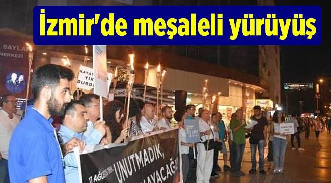 İzmir'de meşaleli yürüyüş