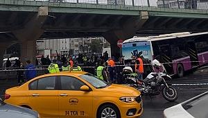 Aksaray'da yoldan çıkan otobüs, elektrik direğine çarptı