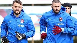 Trabzonspor, Onur Kıvrak ve Burak Yılmaz'ın kadro dışı bırakıldığını açıkladı