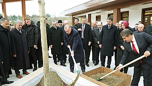 Cumhurbaşkanı Erdoğan, 15 Temmuz Millet Bahçesini gezdi