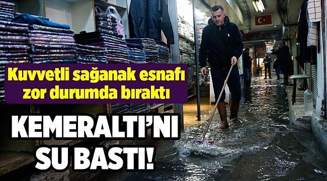 Sağanak yağış İzmir'de su baskınlarına yol açtı