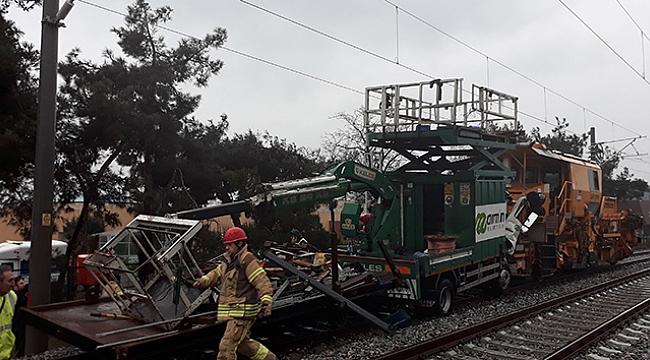 Banliyö hattında test sürüşü yapan iki tren çarpıştı