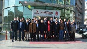 Genç MÜSİAD'lılar kan bağışıyla İzmir'e destek oldu
