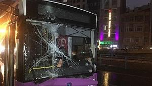 Özel halk otobüsü kaza yaptı