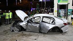 Alkollü sürücü benzinliğe girdi: 1'i ağır 4 yaralı