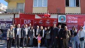 Demokrat Parti'nin Aliağa'daki seçim bürosu açıldı