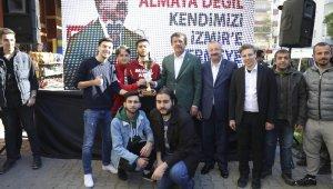 """Zeybekci: """"Belediye bünyesinde bir e-spor kulübü kurulmasını sağlayacağız"""""""
