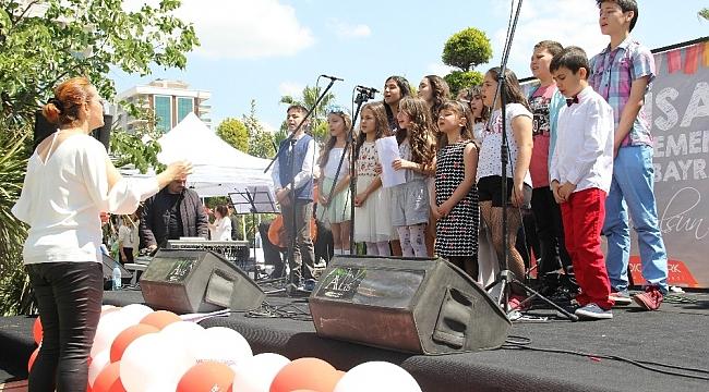 30 kişilik çocuk korosu İzmirlileri coşturacak