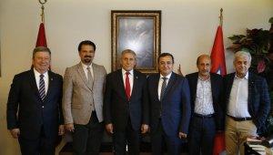 CHP Genel Başkan Yardımcısı Yıldırım Kaya Konak'ta