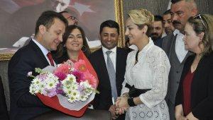 Menemen'de Serdar Aksoy görevi devraldı