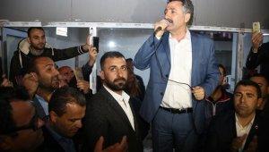 Sandal, zaferini vatandaşlarla kutladı