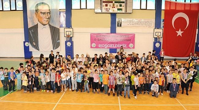 Satrancın genç ustaları Balçova'da buluştu