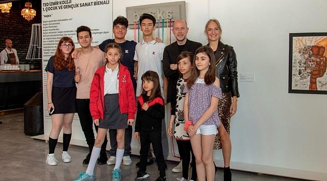 TED İzmir Koleji 'Çocuk ve Gençlik Sanat Bienali' kapılarını açtı