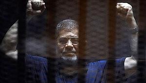 Mısır'ın devrik lideri Muhammed Mursi hayatını kaybetti