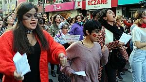 Dalga dalga yayılıyor: İzmir'de kadınlardan Las Tesis eylemi