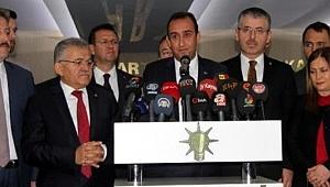İYİ Partili Belediye Başkanı Mustafa İlmek meclis üyeleri ile birlikte AK Parti'ye geçti
