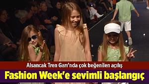İzmir Fashion Week'e sevimli başlangıç