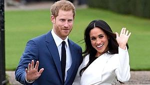 Kraliyet ailesi, Prens Harry ve Meghan Markle'ı unvanlarından vazgeçmeleri için tehdit etti