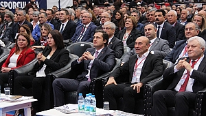 CHP'de Deniz Yücel kongreye tek aday olarak girdi...