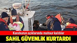 Karaburun açıklarında mahsur kalan kaçakları Sahil Güvenlik kurtardı