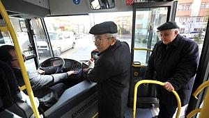 Evde kal çağrısı 'havada kaldı': 65 yaş üstü 120 bin kişi Eshot kullandı!