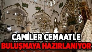 İzmir'in tarihi camileri cemaatle buluşmaya hazırlanıyor