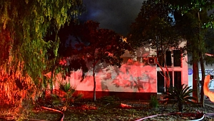 Ege Üniversitesi Hastanesi'ndeki yangın 1 saatte söndürüldü