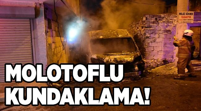 Kundaklama iddiası: İzmir'de park halindeki minibüs küle döndü!