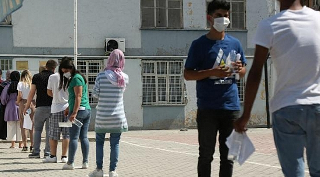 YKS'de 'bu nasıl sorumsuzluk' dedirten iddia! 'Koronavirüs hastası öğrenciler tedbirsiz sınava alındı'