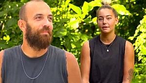 Sercan Yıldırım, Survivor'dan elendikten sonra tatile çıktığı Aycan Yanaç'ın arabada uyuduğu anları paylaştı