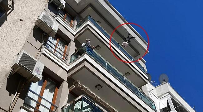 Kurbanı drone ile dağıttı, sosyal mesafeye dikkat çekti