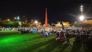 Yaz gecelerinin değişilmezi: Çim Konserleri yeniden başlıyor