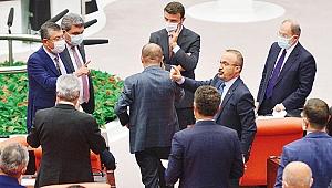 Azerbaycan tezkeresi takıldı, gerginlik yaşandı