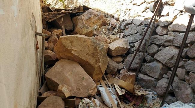 Kaya parçaları eve girdi!