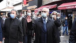 İzmir'de vaka ve vefat sayıları 3 kat arttı