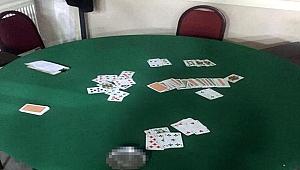 Koronavirüse rağmen kumar oynayan 15 kişiye, 62 bin 800 lira ceza