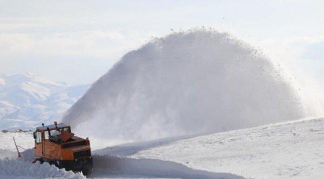 Van, Hakkari ve Bitlis'te 450 yerleşim yeri, kardan kapandı