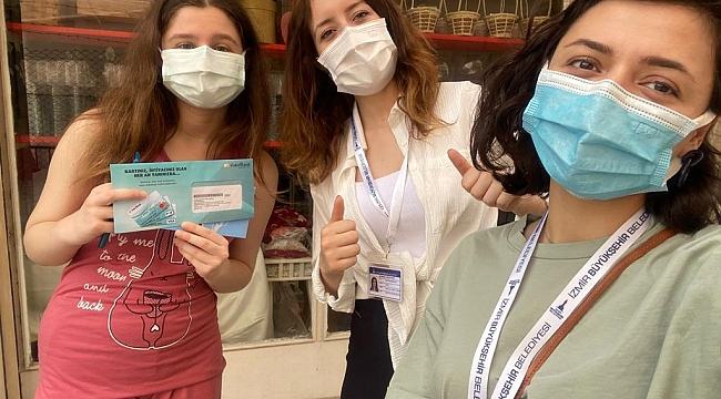 """Büyükşehir'in """"Kitap Kart"""" projesi ile gençlerin yüzü güldü"""