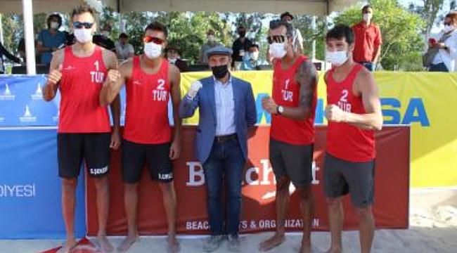 İzmir'de düzenlenmişti... Plaj voleybolunda şampiyon Türkiye!