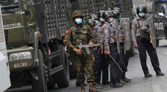 Myanmar'da ölenlerin sayısı 765'e yükseldi
